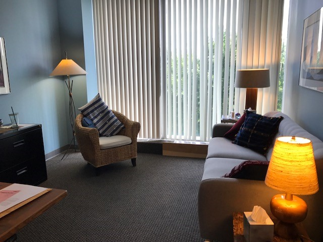 LifeWorks Skokie Therapy room
